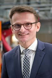 Prof. Dr.-Ing. Klaus Dröder.