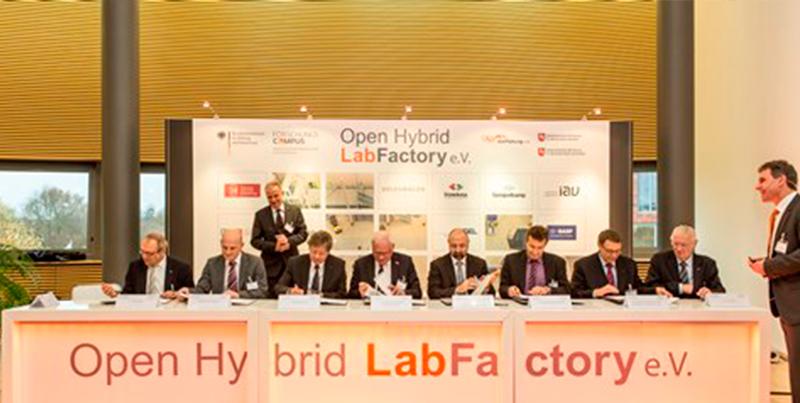 Beitritt der Vollmitglieder zum OHLF e.V. am 29. November 2013. Bildnachweis: NFF/Bierwagen