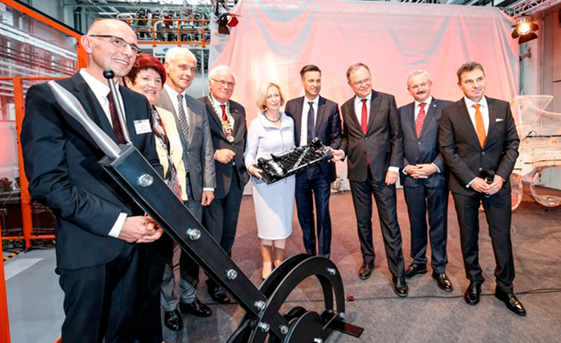 Eröffnung der OHLF-Forschungsfabrik am 23. September 2016. Bildnachweis: NFF/Bierwagen