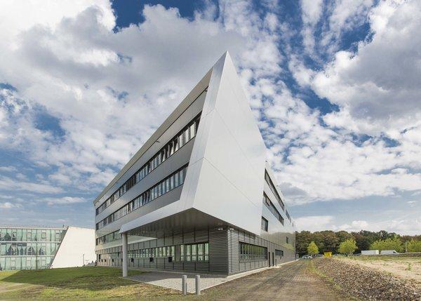 OHLF-Gebäude, außen